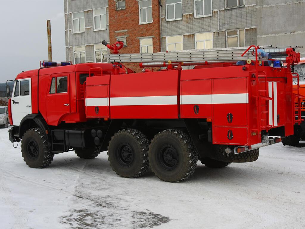 Пожарный автомобиль КАМАЗ-43118 АЦ-8, -4