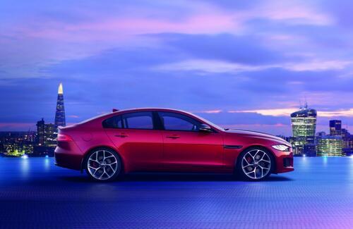В Алматы представили новый Jaguar XE