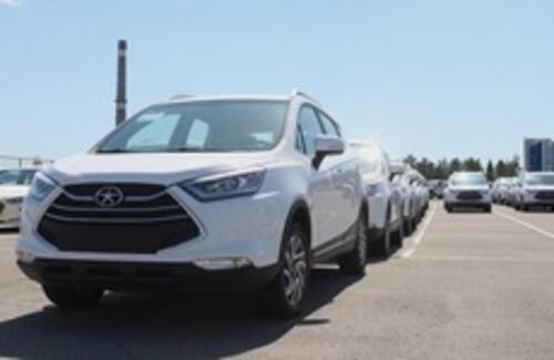 Стартовали поставки автомобилей казахстанского производства в Таджикистан.
