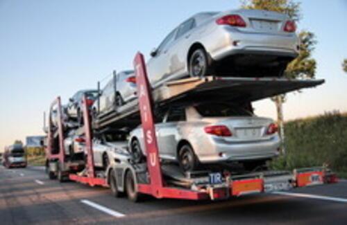 Растаможка автомобилей в Казахстане подешевела