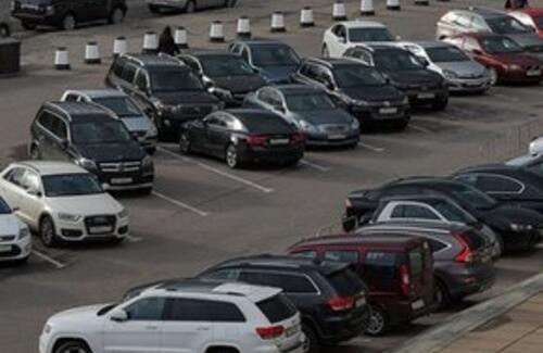 Более 800 незаконно ввезенных в РК машин объявлены в розыск