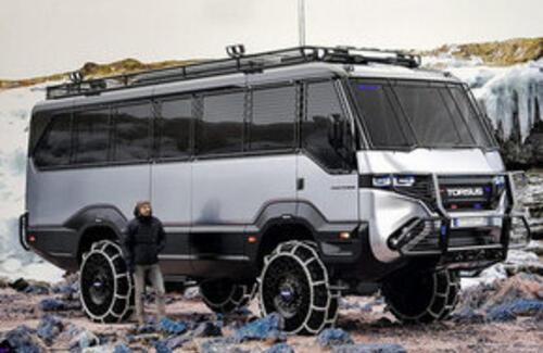Первый в мире автобус-внедорожник создали в Украине