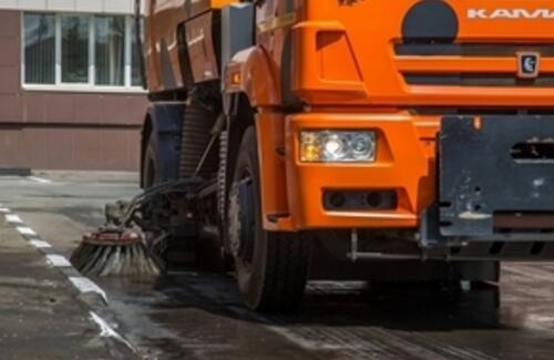Мыть дороги шампунем начали в Казахстане