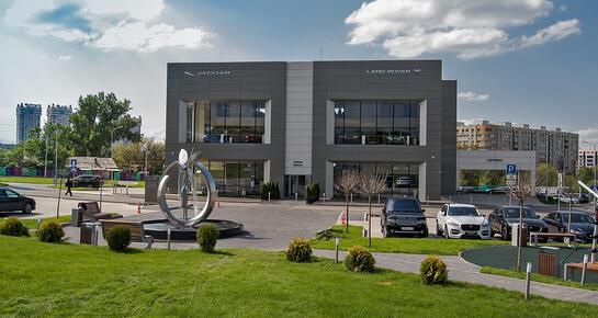 Land Rover Astana Motors, Алматы, пр. Гагарина 314, уг. пр. Аль-фараби