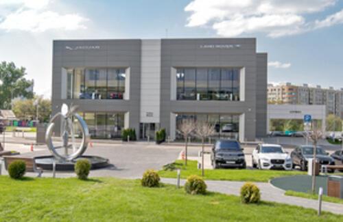 Открытие нового автоцентра JAGUAR LAND ROVER в Алматы