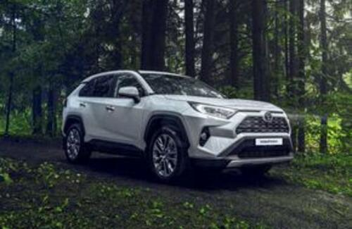 Toyota раскрыла цены на новый RAV4 в Казахстане
