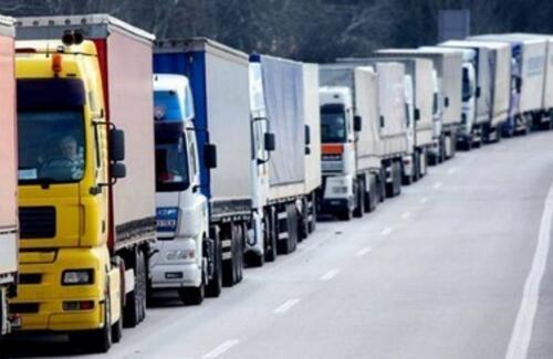 В Алматы могут ограничить движение грузовиков