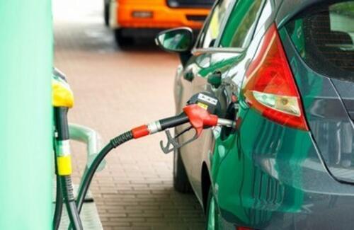 Налог на авто в стоимость бензина включать не будут